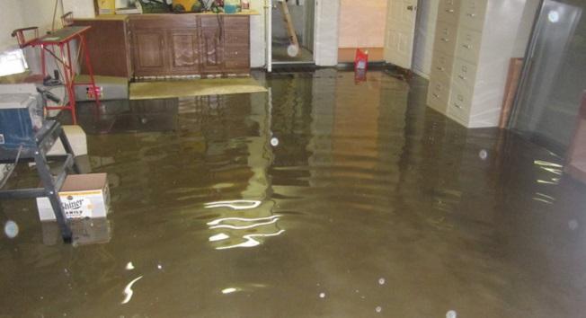 achique inundacion agua